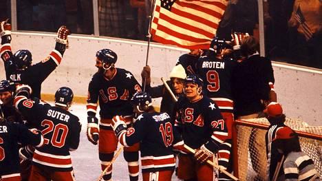 Lake Placidin olympialaiset olivat miesten jääkiekossa Yhdysvaltojen juhlaa.