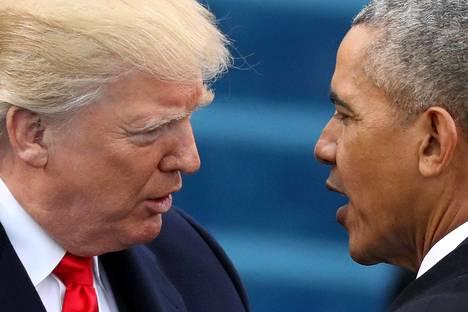 Presidentti Barack Obama (oik.) tervehti Donald Trumpia hetkeä ennen vallanvaihtoa tammikuussa.