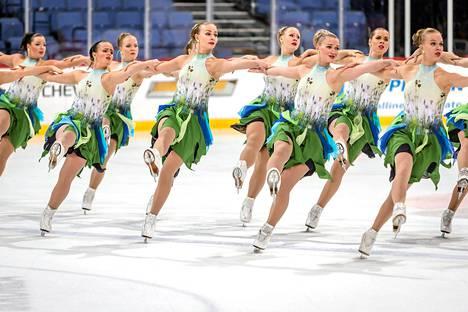 Marigold IceUnity harjoitteli lyhytohjelmaa Helsingissä marraskuun alussa.