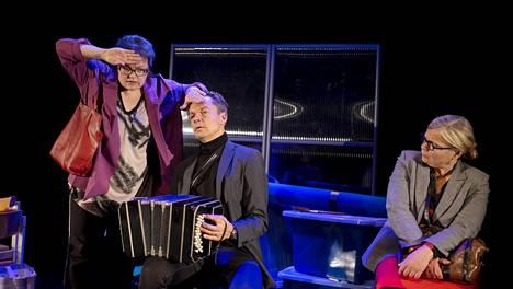 Teatteriarvostelu | Kapsäkin musiikkikomediassa kysytään, mihin kaikkeen lääkärin tulee olla valmis: Minna Lindgrenin teksti joutuu hutiloivan ohjaajan uhriksi
