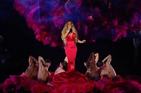 Mariah Carey on palannut parrasvaloihin tuttuna ja turvallisena.