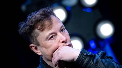 Teslan toimitusjohtaja Elon Musk sanoo, ettei yhtiön täytyy turvautua oikeustoimiin, jotta työntekijät pääsevät takaisin töihin.