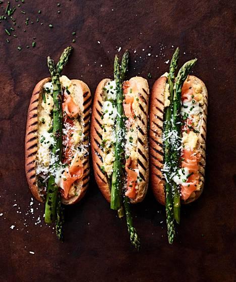 Parsoihin tulee grillissä ihanan paahteinen maku.