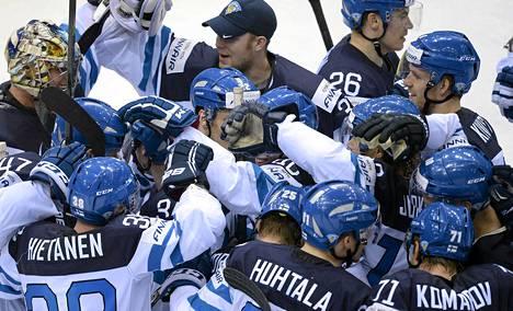 Suomi voitti Kanadan ja kohtaa lauantain välierässä Tšekin.