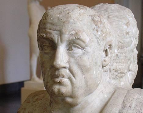 Senecalla (4eaa. - 65jaa.) on jäljittelemätön tyyli esseistinä ja filosofina. Hänen kirjoituksensa ovat yhä ajankohtaisia.