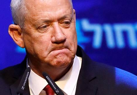 Benny Gantzin Sininen ja valkoinen -puolue voitti täpärästi Israelin parlamenttivaalit.