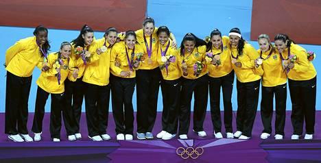 Tässä poseeraa Brasilian kultajoukkue.