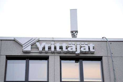 """""""Pelkään, että seuraava vaihe on pettymyksen vaihe. Joko yrittäjä ei saa niitä tukia, joita hän hakee, tai sitten hän kokee, että tuki on riittämätöntä"""", sanoo Suomen yrittäjien toimitusjohtaja Mikael Pentikäinen."""