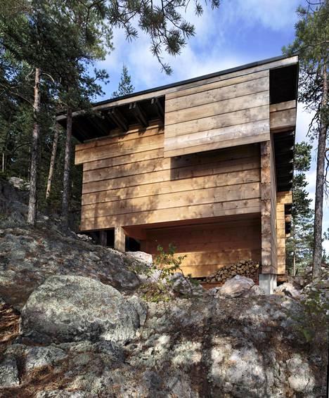 Kaksivuotiskatsaus on lähdössä perinteiden mukaan esittelykierrokselle kotimaahan ja ulkomaille. Mukana on myös sauna, Tuomo Siitosen suunnittelema savusauna Asikkalasta. Se on esimerkki hyvästä suunnittelusta pienessä rakennuksessa.