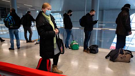 Suomessa työskentelevä Erika Telvik on epävarma, olisiko hän päässyt enää keskiviikkona rajan yli.