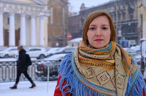 Venäjän kielen opettaja, taiteilija Darja Apahontšitš on tullut Pietarissa tunnetuksi feministisestä aktivismistaan.