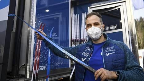 Suomen hiihtomaajoukkueen huoltopäällikkönä yhden kauden ajan toiminut Martin Norrgård palaa Ruotsin maajoukkueen huoltotiimiin. Kuva Oberstdorfin MM-hiihdoista helmikuulta.