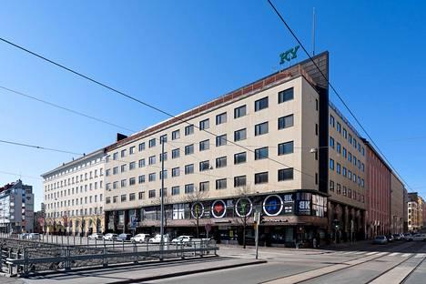 KY-talo Fredrikinkadun ja Pohjoisen Rautatiekadun risteyksessä vuonna 2020.
