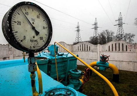 Kaasuputkia Kiovan ulkopuolella. Suuri osa Eurooppaan Venäjältä tulevasta kaasusta kulkee Ukrainan kautta.