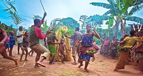 DocPoint-festivaali esittää Forest of the Dancing Spirits -elokuvan sademetsän pygmeistä.