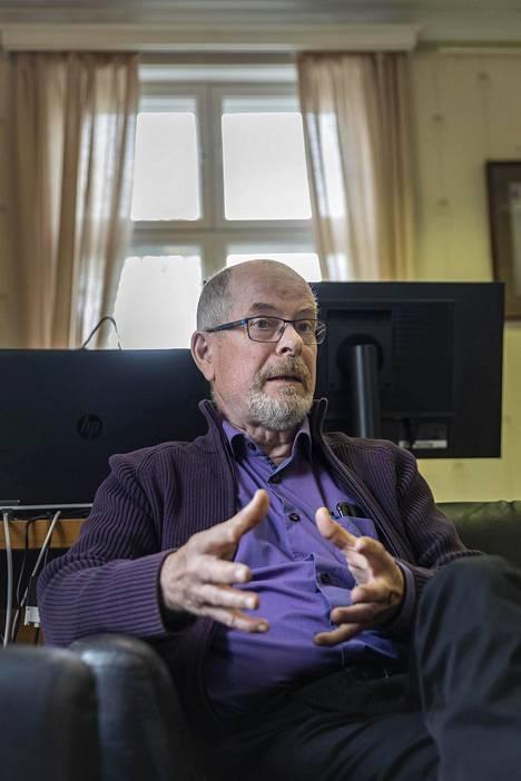 Katri Kulmuni oli ensimmäinen keskustaministeri Lapin vaalipiiristä sitten Paavo Väyrysen. Nyt vaarana on, että seudulta katoaa suora keskusteluyhteys valtioneuvostoon, sanoo pitkäaikainen keskustavaikuttaja Pekka Pelttari.