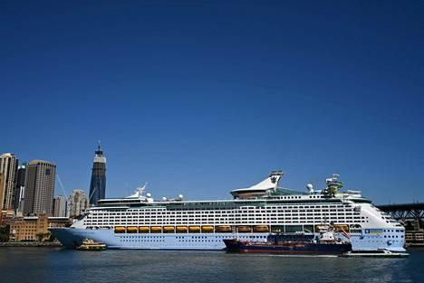 Royal Caribbeanin risteilyalus oli Sydneyn satamassa maaliskuussa.