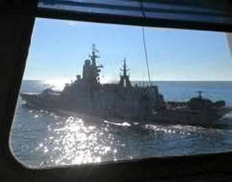 Arandan miehistö kuvasi, miten läheltä venäläinen sotilasalus ohitti sen 2. syyskuuta.