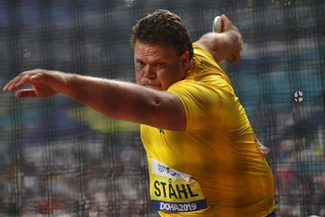 Daniel Ståhl voitti MM-kultaa viime kesänä Dohan kisoista.