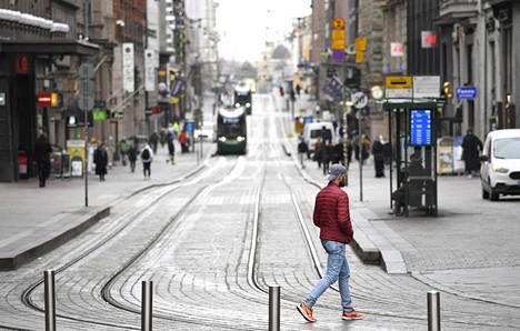 Helsingissä on todettu koronavirustartuntoja suhteellisen tasaisesti eri puolilla kaupunkia.