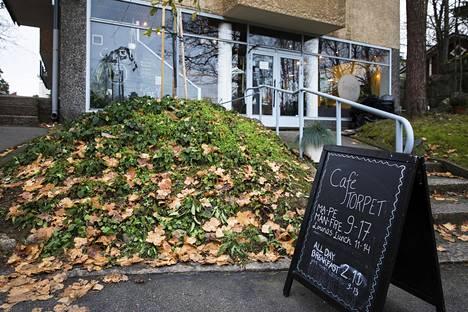 Café Torpet perustettiin vuonna 2015 aivan Huopalahden juna-aseman viereen.