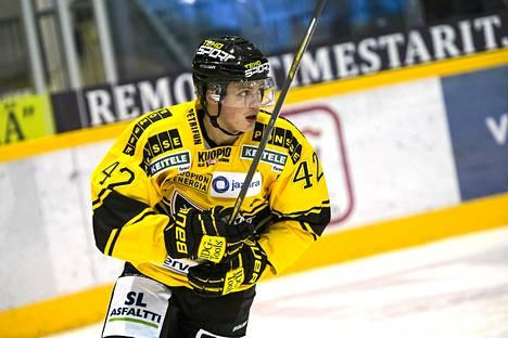 Kasperi Kapanen onnistui voittomaalikisassa.