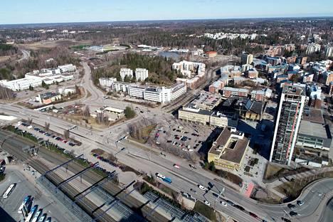 Leppävaaran aseman kohdalla alkaa ensi maanantaina hulevesiputken poraustyö. Työmaan kohdalla Turuntiellä eli tiellä numero 110 on käytössä poikkeusjärjestelyt vuoden loppuun saakka.