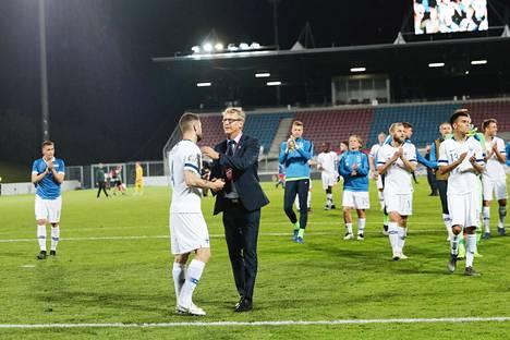 Suomen maajoukkuekin käyttää jo videoita apunaan. Päävalmentaja Markku Kanerva onnitteli pelaajia voitosta Liechtensteinissa kesäkuussa.