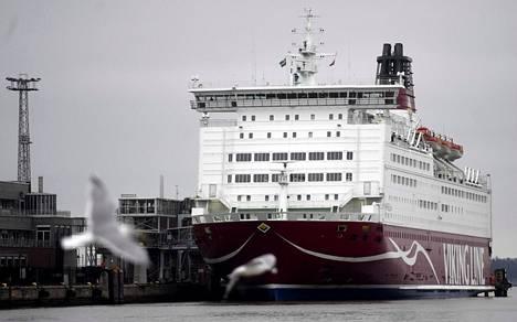 Viking Line liikennöi Helsingistä Tukholmaan vuoropäivin M/S Mariellalla ja M/S Gabriellalla. Kuvassa Mariella laiturissa Katajanokalla.