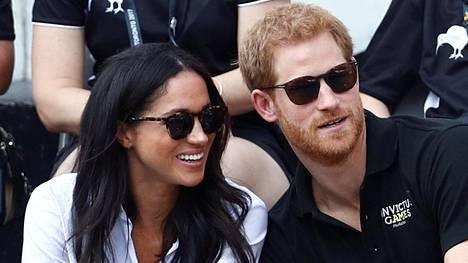 Meghan Markle on seurustellut prinssi Harryn kanssa runsaan vuoden.