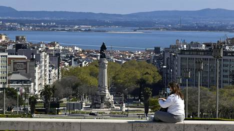 Portugalissa pankit on määrätty heijastelemaan todellista korkotasoa. Suomessa asuntolainoissa on mukana nollakorkolattia.