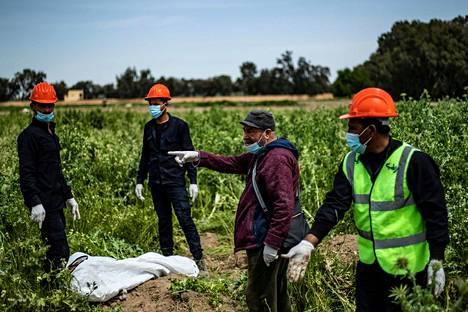 Raqqan kaupungin lähistöllä olleita joukkohautoja tutkittiin viime huhtikuussa, jolloin löydettiin 3500 ruumiin jäänteitä.