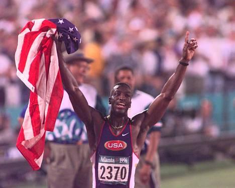 Michael Johnson voitti Atlantassa 200 metrin ME-ajalla 19,32 sekuntia.