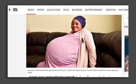 Muun muassa eteläafrikkalainen Independent Online -verkkojulkaisu kertoi Sitholen raskaudesta ja synnytyksestä.