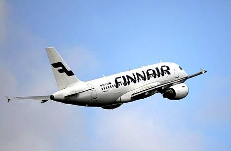 Finnair muuttaa kymmenen lennon reittiä Ukrainan lentoturman takia.