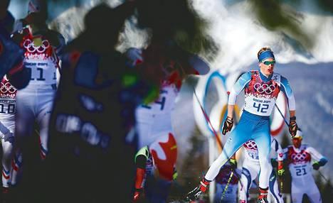 Iivo Niskanen lähti 50 km:n yhteislähtökilpailuun krampeista huolimatta ja sijoittui kymmenenneksi.
