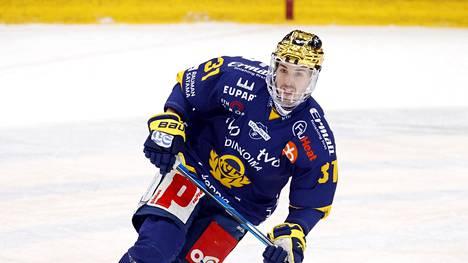 Eetu Koivistoinen teki Lukolle kaksi maalia. Kuva helmikuulta.