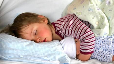 Nukkuva lapsi on monen mielestä kaunis näky.