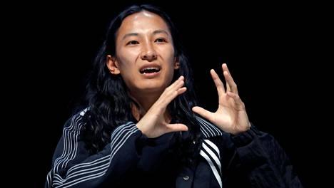 Yhdysvaltalainen muotisuunnittelija Alexander Wang kuvattuna Cannesissa vuonna 2017.