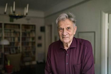 Professori Aarne Kinnunen viihtyi yliopistolla, mutta oli tyytyväinen päästessään hyvissä voimissa eläkkeelle – ja päätoimiseksi tutkijaksi.