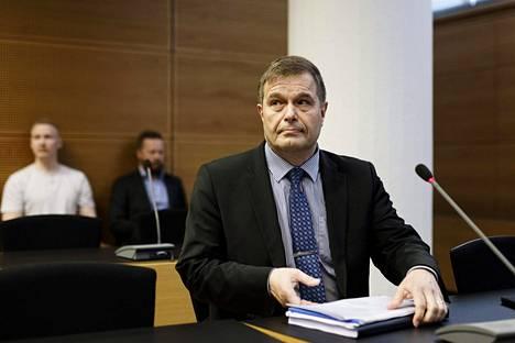 Käräjäoikeus hylkäsi kahden poliisin syytteet kansanedustaja Kari Tolvasen (kok) kunnian loukkaamisesta.