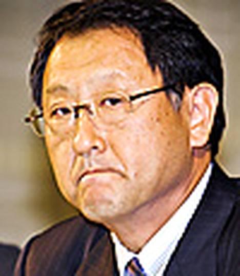 Toyotan pääjohtaja pyysi anteeksi autojensa turvaongelmia