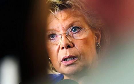 Oikeusasioista vastaava komissaari Viviane Reding. HS tavoitti hänen avustajansa tiistaina.