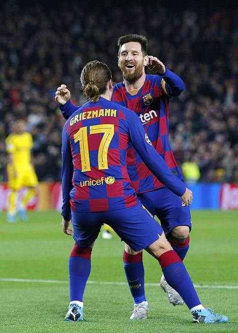 Lionel Messi juhli Antoine Griezmannin kanssa joukkueen kolmatta maalia.