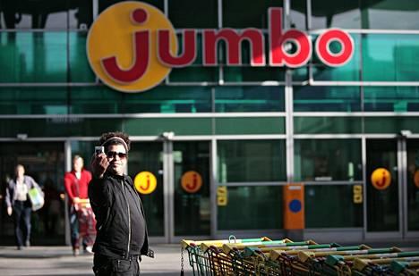 Uusi pikaraitiotie kulkisi Mellunmäestä Jumbon kautta lentoasemalle.