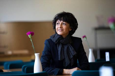 Emmanulle Charpentier vakuutti Helsingissä, että hän käyttää nykyisin yöt nukkumiseen.