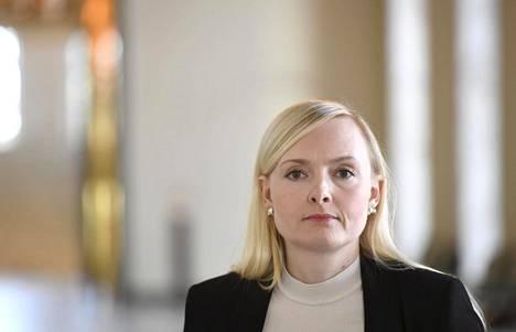 """""""Selkeästi meillä on tekemistä, jos ihmiset kokevat pelottavaksi sen, että kaikki saisivat olla omia itsejään,"""" Maria Ohisalo kommentoi Nyt-liitteelle."""