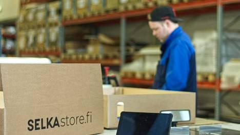 Verkkoyhteyteen haluttiin lisää nopeutta ja varmatoimisuutta, sillä tehtaalla oltiin uudistamassa koko it-järjestelmää.
