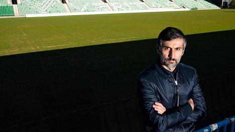 Interin päävalmentaja José Riveiro joutui miettimään, jääkö koronaviruspandemian ajaksi Suomeen vai lähteekö kotiseudulleen Espanjaan.