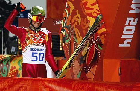Kamil Stoch voitti normaalimäen olympiakultaa ylivoimaisesti.